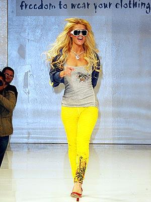 أزياء وفساتين وتسريحات صبايا فرنسا Paris_hilton2