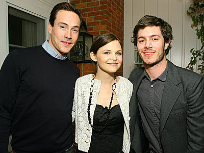 HAPPY REUNION photo | Adam Brody, Chris Klein, Ginnifer Goodwin