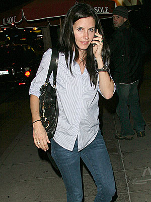 CATCHING UP photo | Courteney Cox