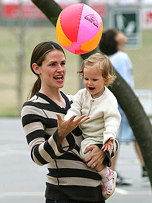 PLAY BALL photo | Jennifer Garner