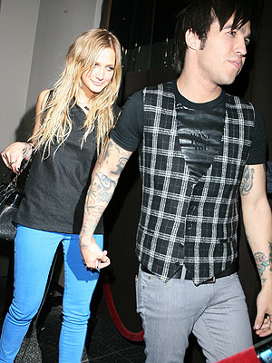VERY CLOSE FRIENDS photo | Ashlee Simpson, Pete Wentz