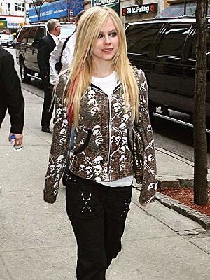 THE BONE COLLECTOR photo | Avril Lavigne