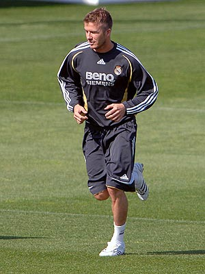 BACK IN ACTION photo | David Beckham