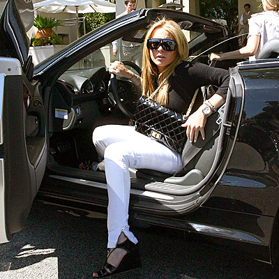 CAR BOMBSHELL  photo | Lindsay Lohan