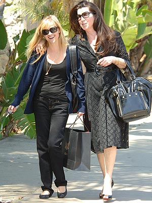 GIRLS' DAY OUT photo | Reese Witherspoon