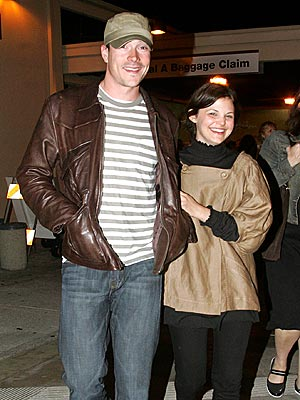 HAPPY LANDING photo | Chris Klein, Ginnifer Goodwin