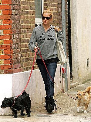 SEAL OF APPROVAL photo | Sienna Miller