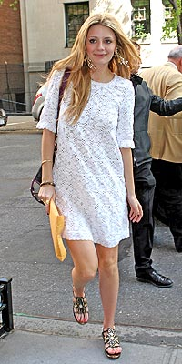 SPRING IN HER STEP photo | Mischa Barton