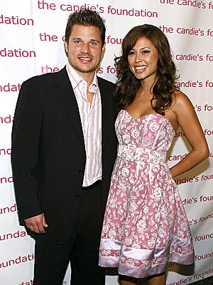 PRETTY IN PINK  photo | Nick Lachey, Vanessa Minnillo