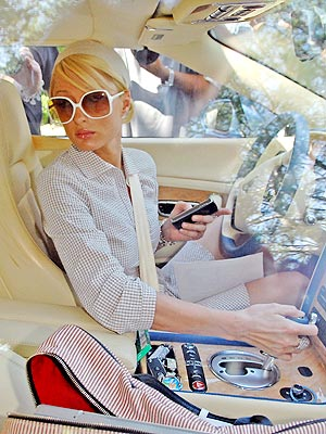 IN THE DRIVER&#39;S SEAT photo | Paris Hilton