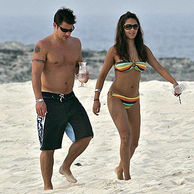 LIFE'S A BEACH!  photo | Nick Lachey, Vanessa Minnillo