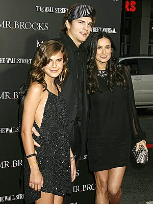 ALL IN THE FAMILY photo | Ashton Kutcher, Demi Moore, Tallulah Belle Willis