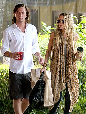 BAG BOY photo | Mary-Kate Olsen