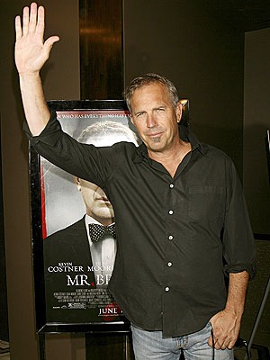 'MR.' HOLLYWOOD photo | Kevin Costner