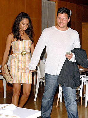 IN THE SPOTLIGHT photo | Nick Lachey, Vanessa Minnillo