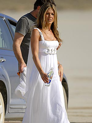 TALL DRINK OF WATER  photo | Jennifer Aniston