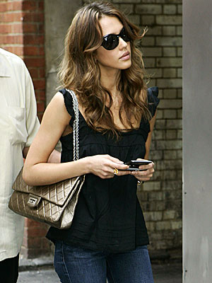 SOHO STROLL photo | Jessica Alba