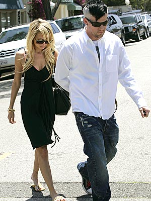 SHARING IS CARING photo | Joel Madden, Nicole Richie