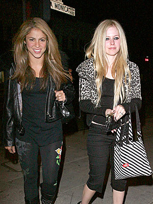THE ODD COUPLE photo | Avril Lavigne, Shakira