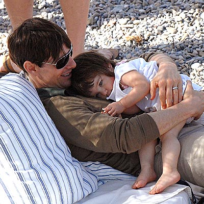 TOO MUCH FUN! photo | Suri Cruise, Tom Cruise