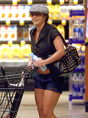 CLEAN UP ON AISLE 5 photo | Britney Spears