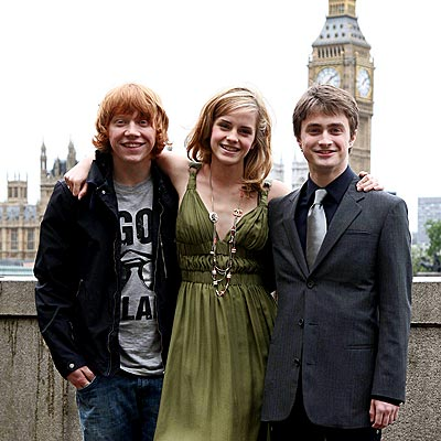 MAGIC MOMENT photo | Daniel Radcliffe, Emma Watson, Rupert Grint
