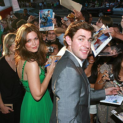 ENGAGING NIGHT photo | John Krasinski, Mandy Moore