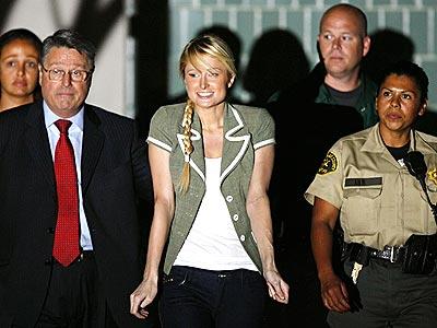 FREE WOMAN photo | Paris Hilton