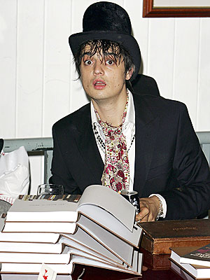 HITTING THE BOOKS photo | Pete Doherty