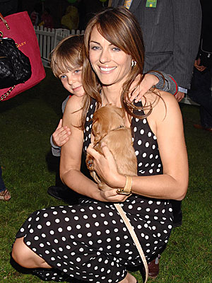 PUPPY LOVE  photo | Elizabeth Hurley