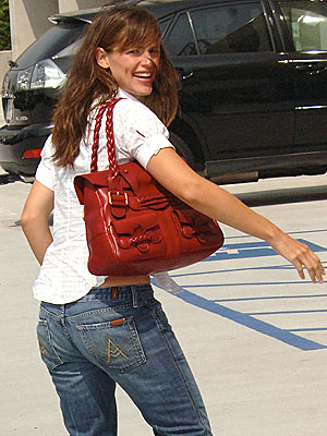 BACK TO WORK photo | Jennifer Garner