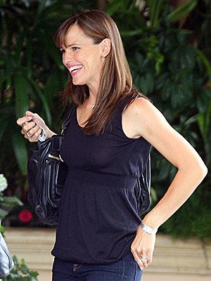 SMILEY FACE  photo | Jennifer Garner