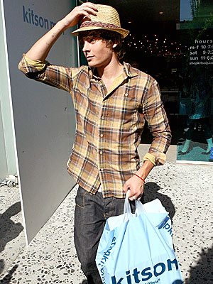 SHOPPING FOR A SEQUEL photo | Zac Efron