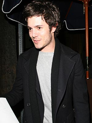 LOUNGE ACT  photo | Adam Brody