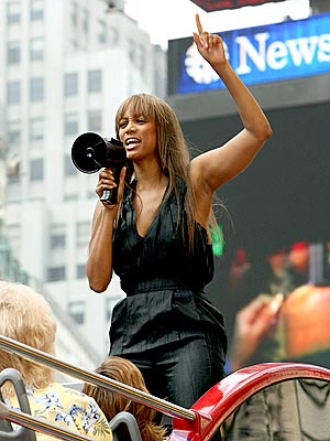 THE TYRA TOUR  photo | Tyra Banks