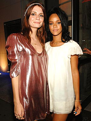 PAPER DOLLS photo | Mischa Barton, Rihanna