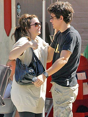 COMMON GROUND photo | John Mayer, Mandy Moore