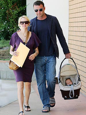 SPECIAL DELIVERY photo | Liev Schreiber, Naomi Watts