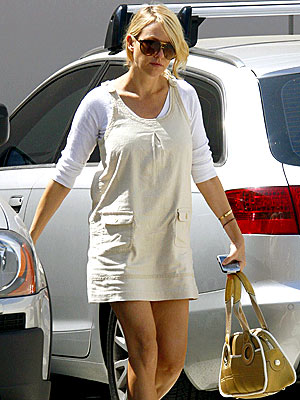 MOMMY&#39;S DAY OUT photo | Naomi Watts