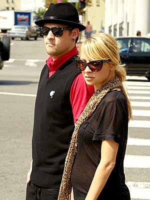 RING AROUND THE RUMOR photo | Joel Madden, Nicole Richie