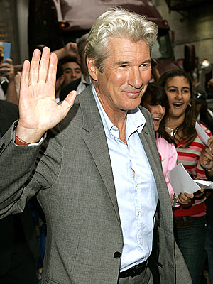 http://img2.timeinc.net/people/i/2007/startracks/070903/richard_gere.jpg