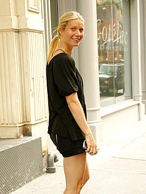 DOWNTOWN SHOPPER  photo | Gwyneth Paltrow