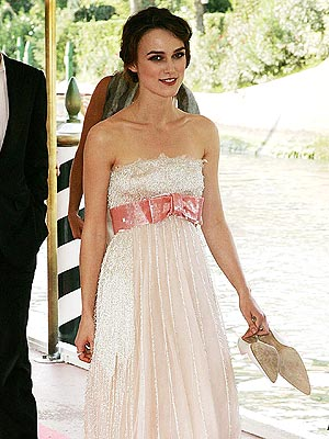 chanel keira knightley red dress. on the red carpet, Keira