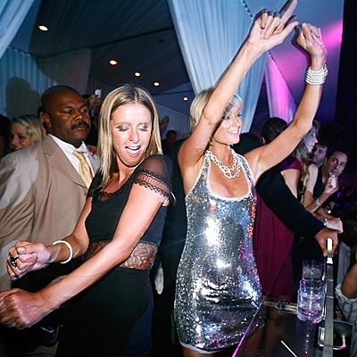 DANCE, DANCE photo | Nicky Hilton, Paris Hilton