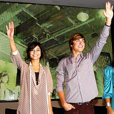 TOP OF THE POPS photo | Vanessa Hudgens, Zac Efron