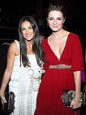 ALL THAT GLITTERS photo | Demi Moore, Mischa Barton