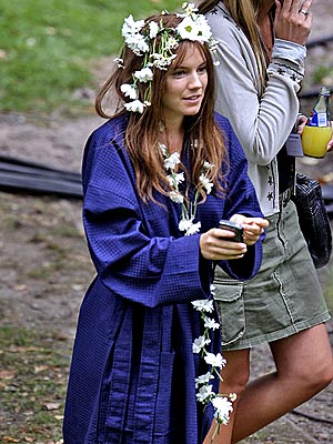 FLOWER GIRL photo | Sienna Miller