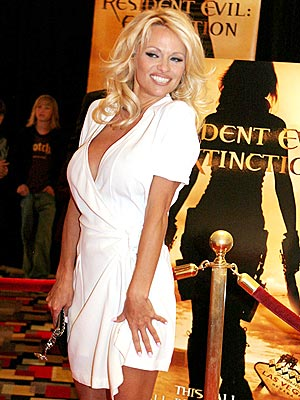 RESIDENT BABE photo | Pamela Anderson