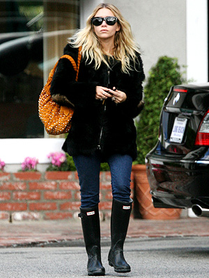 FEELING WELLIE photo | Ashley Olsen