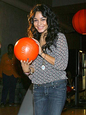 SHE'S GONNA SCORE photo | Vanessa Hudgens